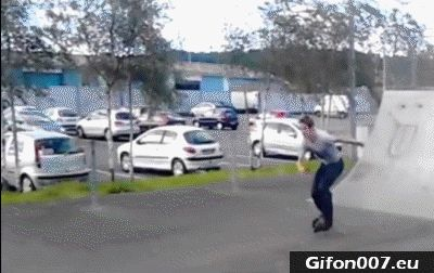 roller-skates-fail-gif-video-ramps