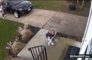 Fail, Girl, Door, Strong Wind, Video, Gif