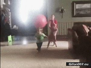 Funny Video, Throwing the Ball, Child, Fail, Gif